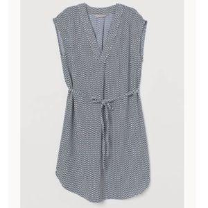 NWT - H&M V-neck Tie Belt Dress size 12